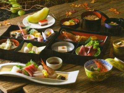 懐石料理 8,000円